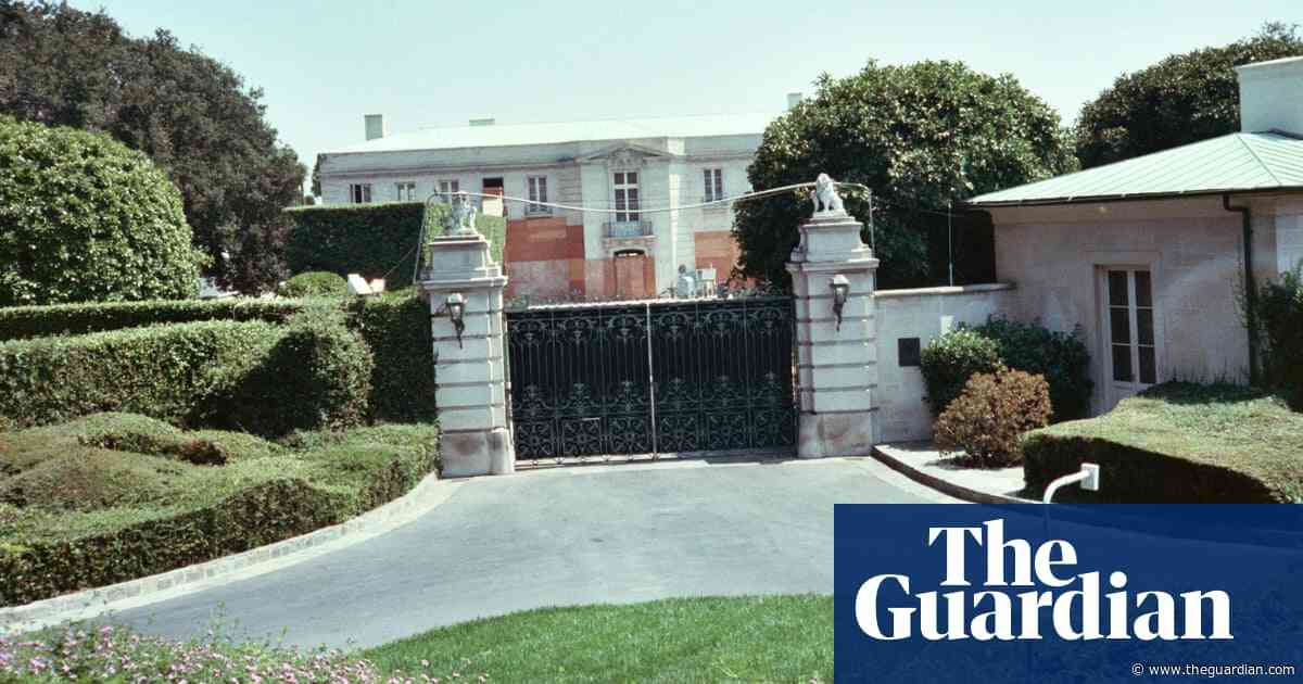 Lachlan Murdoch's $150m Beverly Hillbillies mansion buy breaks record