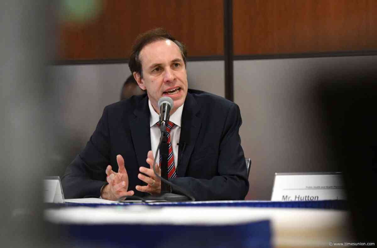 New York extends flavored e-cigarette ban