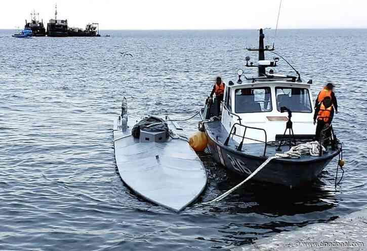 Dos colombianos, mexicano y ecuatoriano en narcosubmarino incautado en Perú