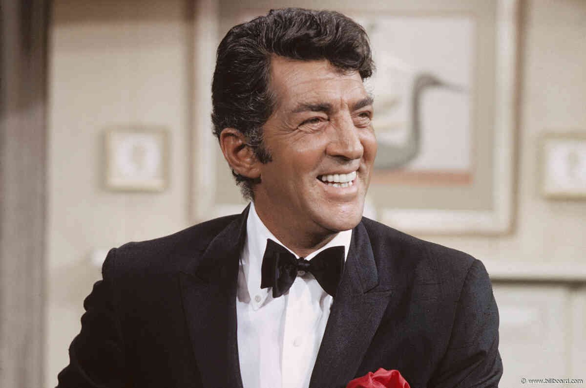 Here Are the Lyrics to Dean Martin's 'Let It Snow, Let It Snow, Let It Snow'