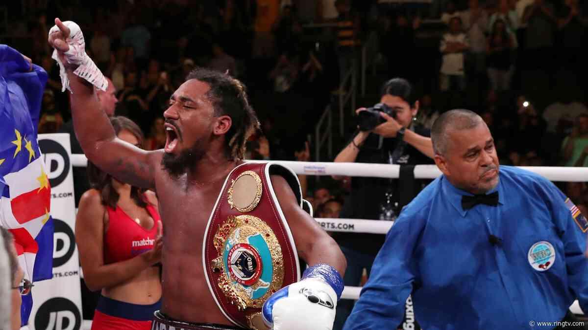 Demetrius Andrade defends middleweight belt against Luke Keeler in Miami
