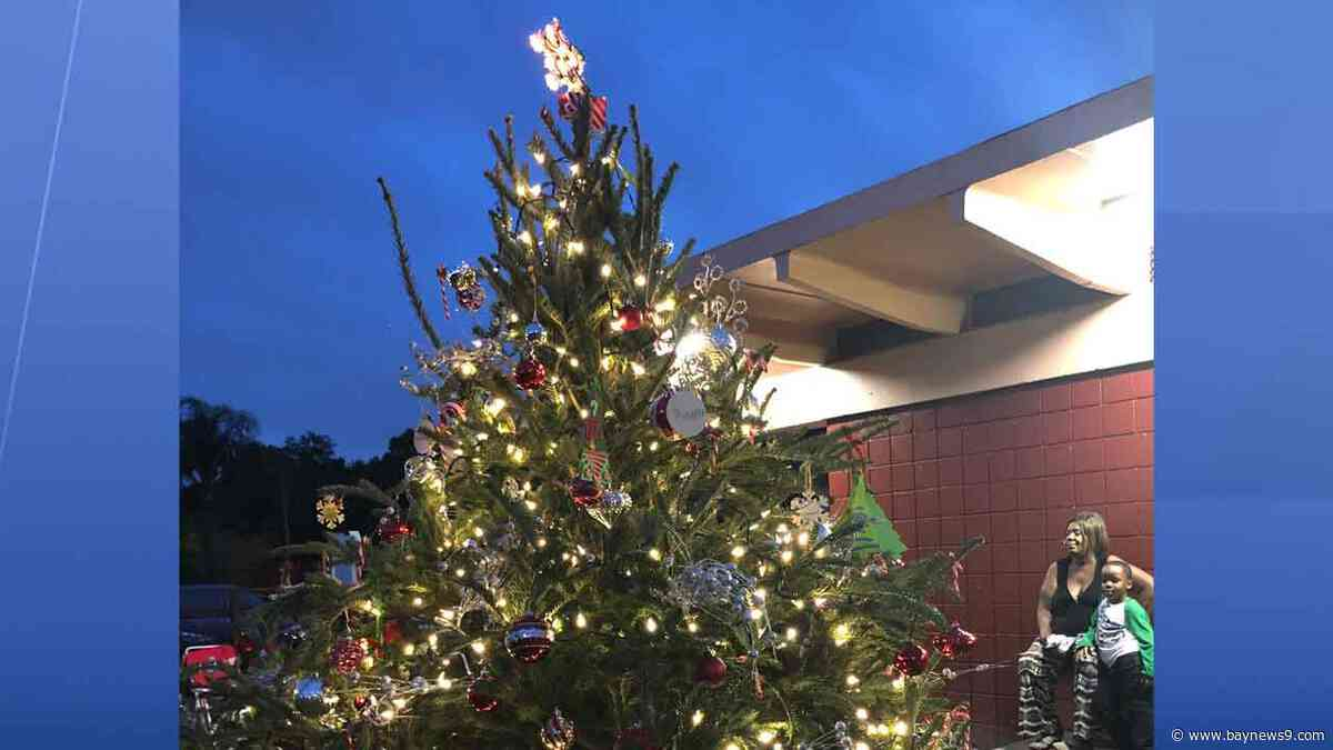Tampa Housing Authority Brings Christmas Cheer to Robles Park Residents