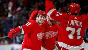 Red Wings jump on Jets early to end month-long losing streak at 12 games