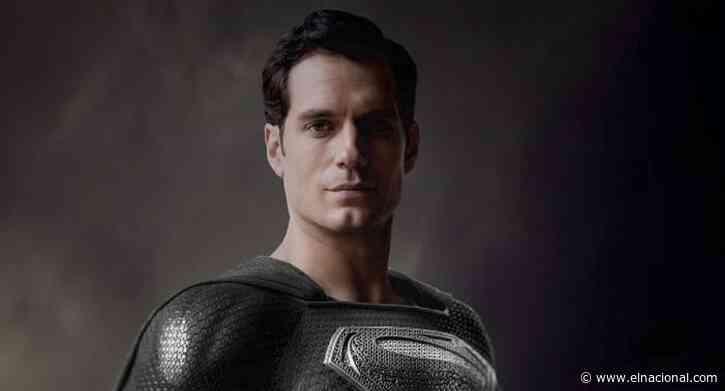 Superman usaría un traje negro en la versión original de Justice League