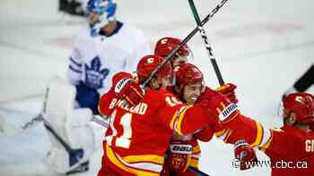 Gaudreau scores twice, Flames rally past Maple Leafs