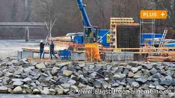 Lechsteg: Der Brückenpfeiler ist bald fertig