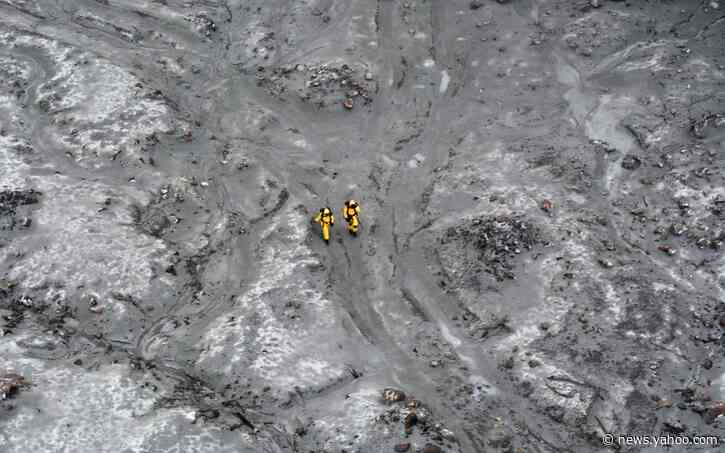 New Zealand volcano eruption: elite military team recovers six bodies from White Island as divers continue hunt