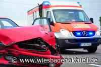 Geschwindigkeit beim Abbiegen unterschätzt - Zwei Personen verletzt