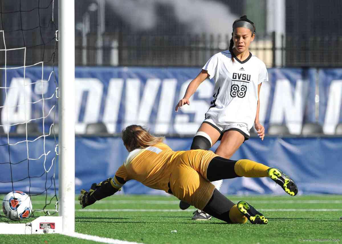 Saint Rose women's soccer loses in NCAA Division II semifinals