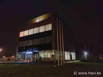 Verdacht pakket afgeleverd op politiekantoor in Bree: civiele bescherming is ter plaatse