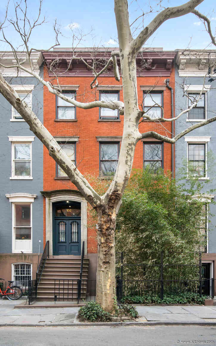 See Inside $18.5 M. New York Townhouse Decorated by Julian Schnabel and His FormerWife
