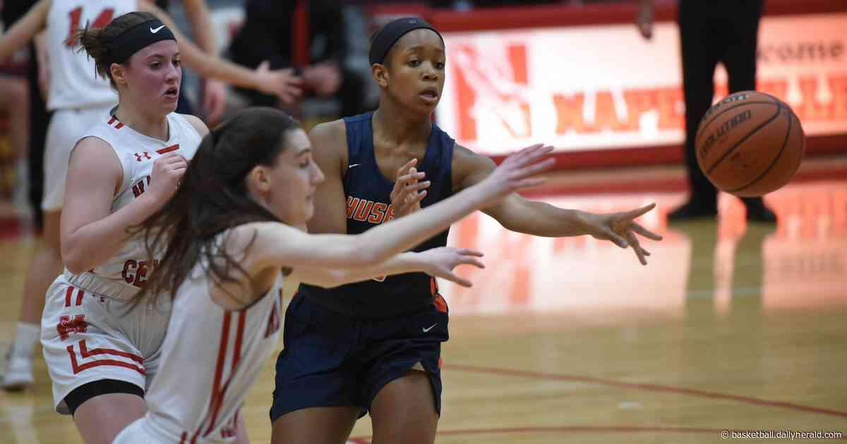 Naperville North has winning formula against Naperville Central