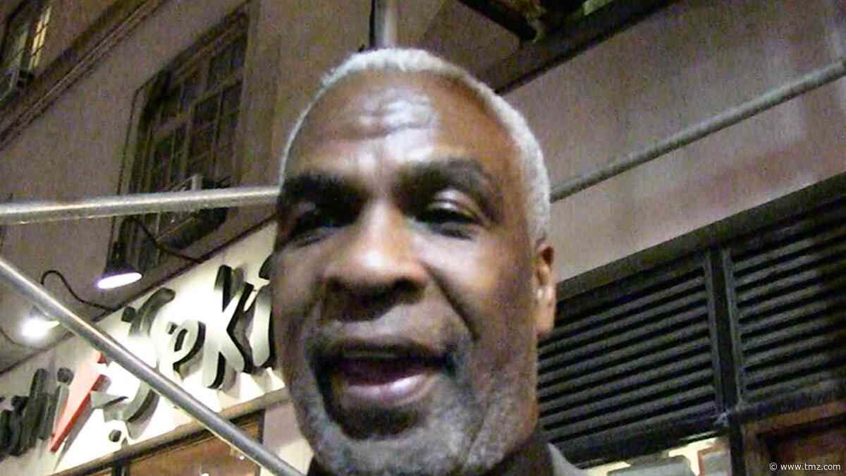 Charles Oakley Says Patrick Ewing Isn't Right Fit For Knicks Job