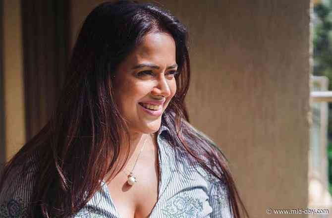Birthday girl Sameera Reddy reveals what is the best gift she has got