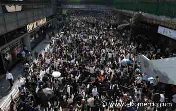 Cinco adolescentes detenidos por la muerte de un hombre en una manifestación en Hong Kong