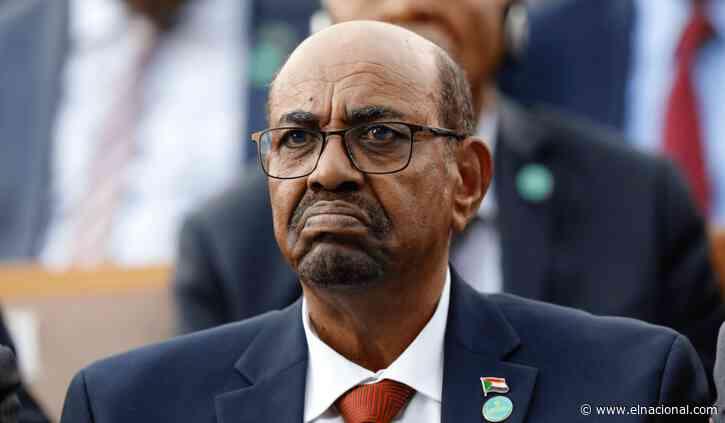 Al Bashir fue condenado a dos años de confinamiento por corrupción