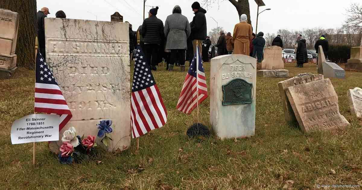 Wreath laying recognizes Elk Grove graveyard, veterans buried there going back to Revolutionary War