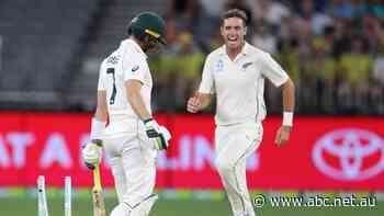 Live: New Zealand looks to wrap up the Australian tail
