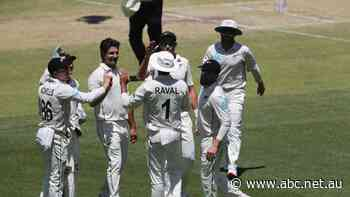 Live: Australia sets New Zealand 468 runs to win first Test