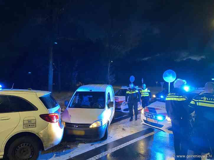Politie rijdt verdachte klem in Arnhem na achtervolging vanuit Zevenaar