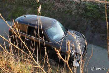 Verdediger KSV Roeselare blijft ongedeerd na duik in gracht langs snelweg
