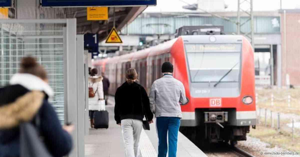 Fahrende S-Bahn mit Steinen beworfen: Notbremsung