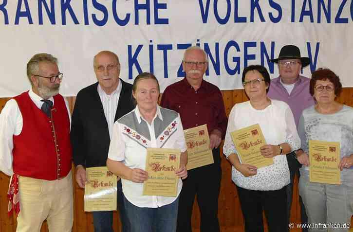 Volkstanzgruppe ehrt ihre Mitglieder