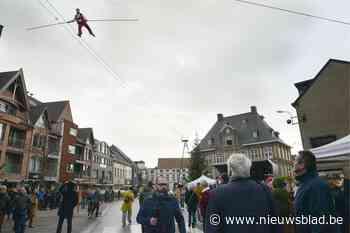 Koorddanser steelt de show op Torhoutse markt