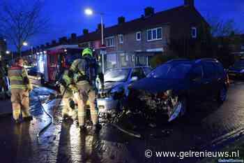 Auto vliegt in brand bij ongeval in Arnhemse woonwijk