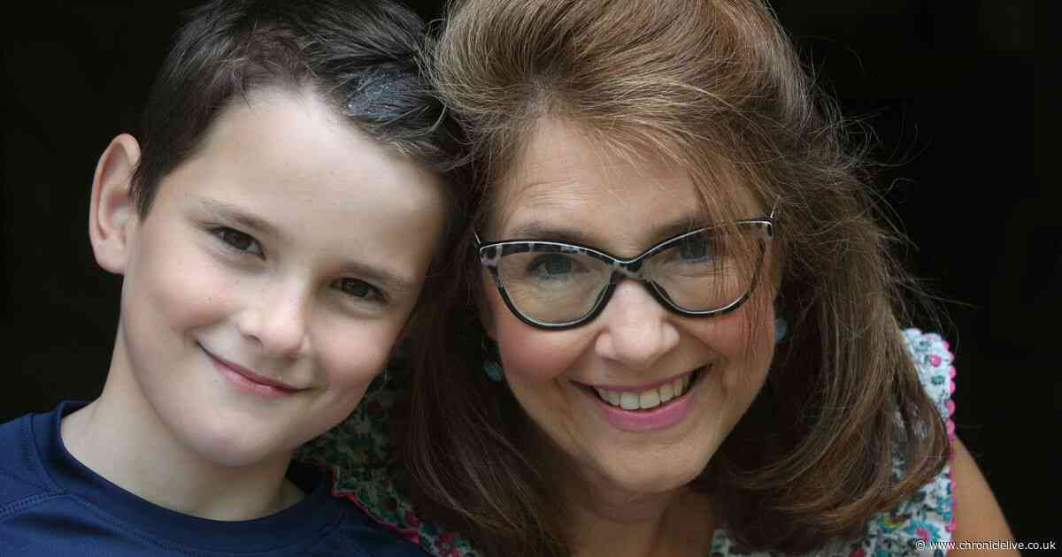 'Thanks for saving my mum' - Son's heartwarming message to NHS staff after mum battled rare cancer