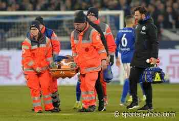 USMNT's Weston McKennie stretchered off for Schalke against Eintracht Frankfurt