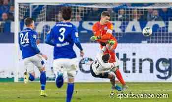 Bundesliga wrap: Schalke GK gets karate red card; Gladbach loses