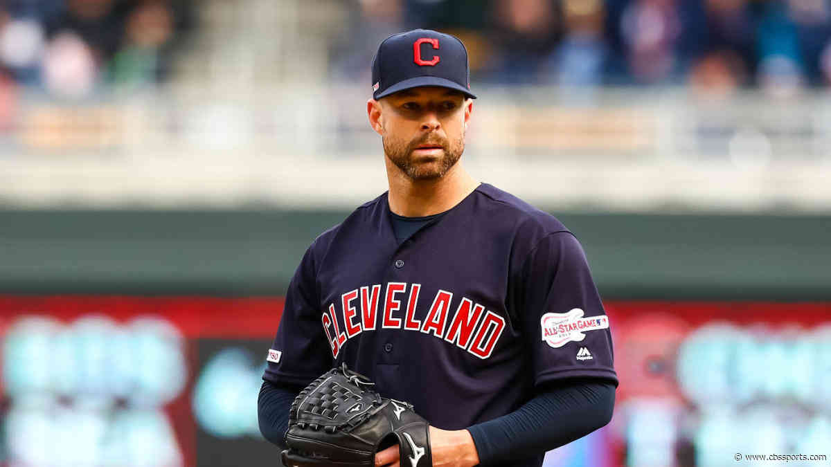 Rangers acquire Corey Kluber from Indians in latest hot stove shake-up