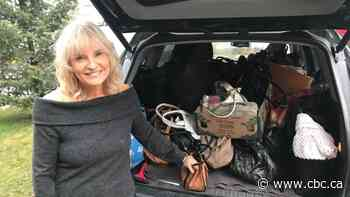 'Just unbelievable': Kamloops woman collects 300 purses for shelter