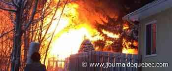 [Photos] Incendie de résidence à Charlesbourg