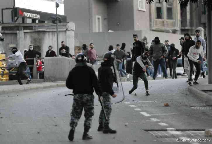 Protests turn violent for 2nd day in Lebanon's capital