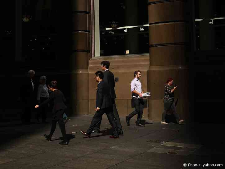 Australia Cuts Forecasts for Wage Increases, Economic Growth and Budget Surplus