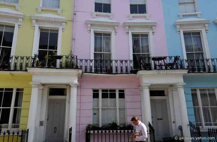 Asking prices for UK houses post smallest December drop since 2006 - Rightmove
