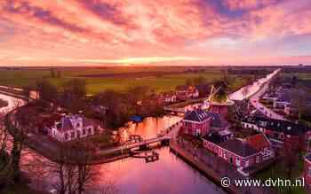 De lucht boven Drenthe en Groningen kleurde roze met paars. Bekijk hier de mooiste foto's