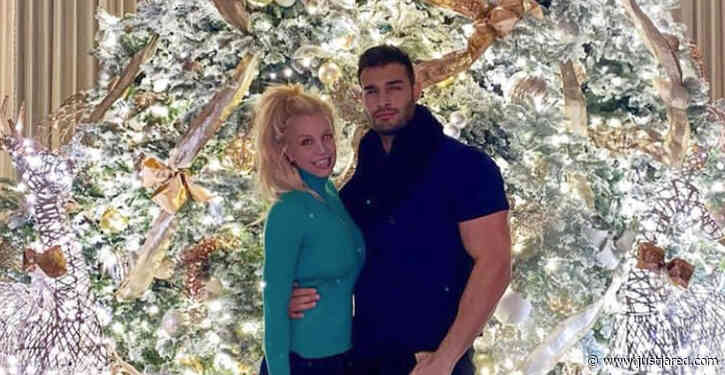 Britney Spears & Boyfriend Sam Asghari Pose in Front of Her Epic Christmas Tree!