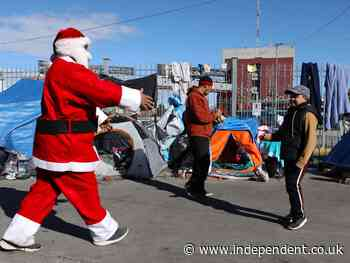 Woman 'thrown in jail' while delivering Christmas gifts to children in Mexico border migrant camps
