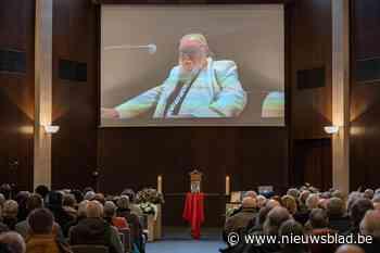 'Le tout Gand' zegt Freek Neirynck (70) vaarwel in crematorium Westlede