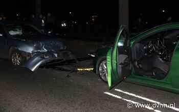 Frontale botsing Udesweg Winschoten: één persoon gewond