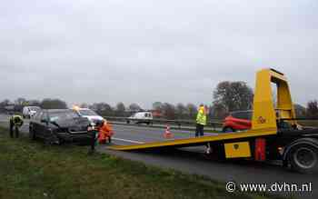 Auto rijdt op de A7 achterop tankwagen