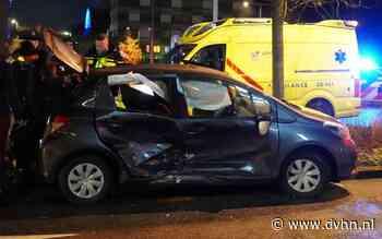 Drie gewonden bij zware botsing tussen twee auto's in Emmen
