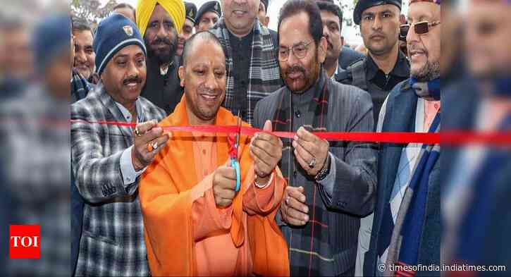 Left parties created atmosphere of violence at JNU: Yogi Adityanath