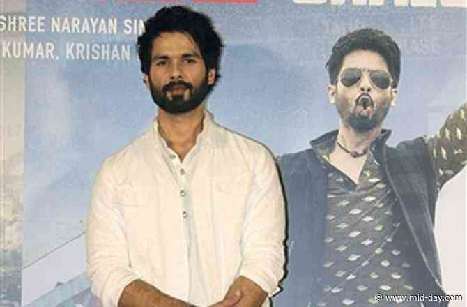 Shahid Kapoor returns to Mumbai after getting injured at sets of Jersey