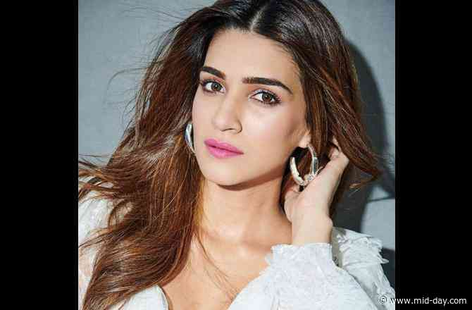 Kriti Sanon to put on 15 kg for upcoming flim Mimi?