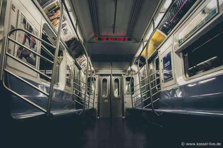 Kurioser Feiertag: No Pants Subway Ride
