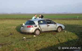 Auto slaat over de kop op afrit A7 bij Scheemda